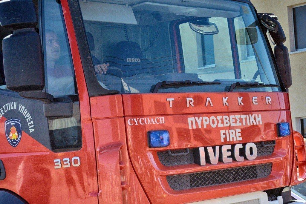 CNA_F81a178e107374739a77c88393653a4ad-1024x683 Πυρκαγιές μαίνονται στη βιομηχανική Τσερίου και ανάμεσα σε Λέυκαρα και Κόρνο