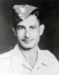 Σάββας Σμυρνιός, εθελοντής του ΑΚΕΛ, ο οποίος έπεσε στην Ιταλία το 1944