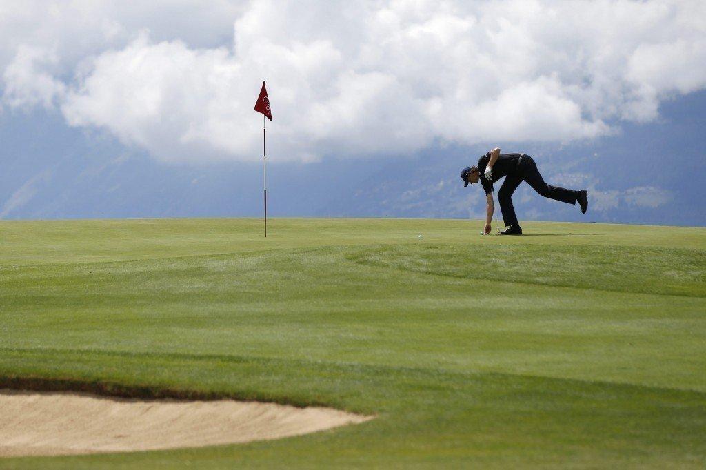 Κάλυψη στην Πολεοδομία από ΥΠΕΣ για καθυστερήσεις σε γήπεδα γκολφ