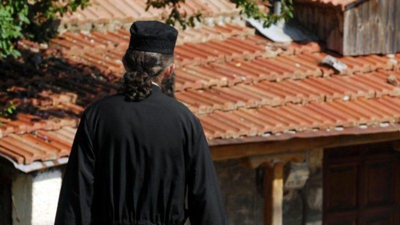 «Καμπάνα» €30 χιλ. στον ιερέα για τα 72 κιλά καπνού από τα κατεχόμενα