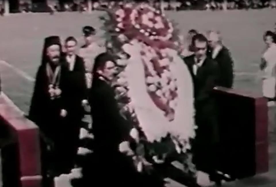 Ο Μακάριος καταθέτει στεφάνι στο Μαυσωλείο του Λένιν στη Μόσχα