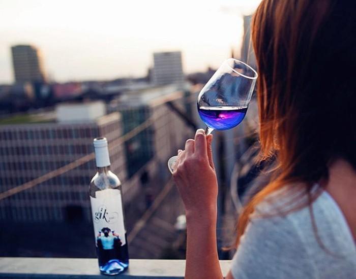 238711g-vin-bleu-gik-5-1