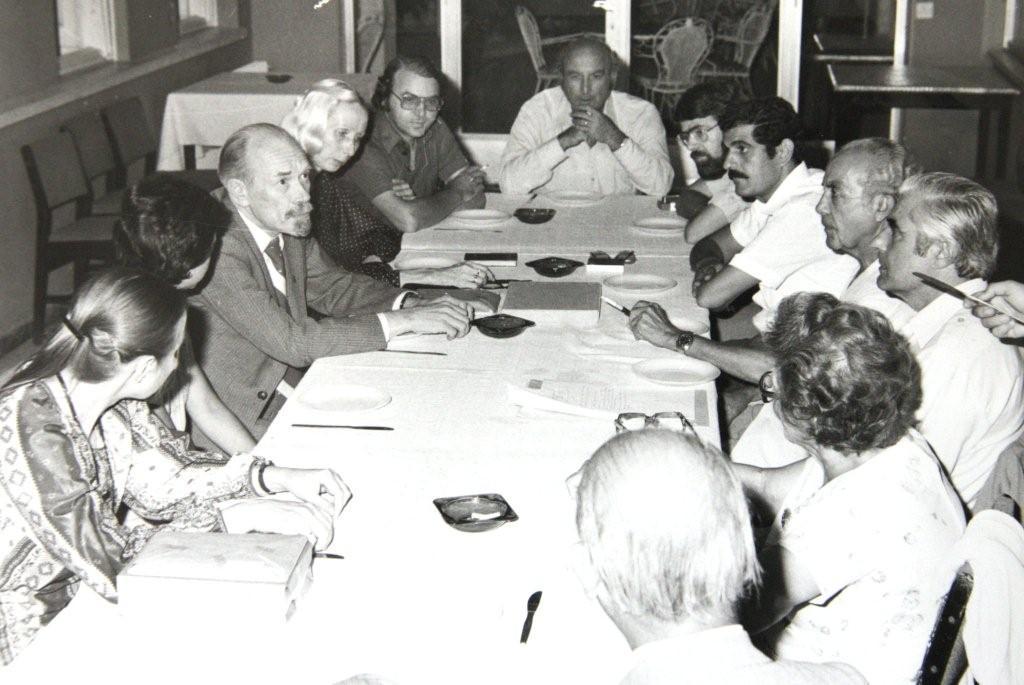 Συνάντηση του Διοικητικού Συμβουλίου της Ε.Λ.Κ. με την αντιπροσωπεία της Εταιρείας Σοβιετικών Συγγραφέων (Δεκέμβριος 1980).