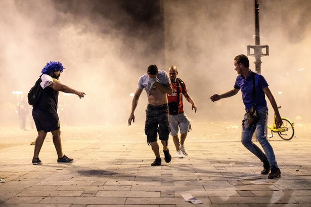 Fans-Celebrate-The-Outcome-Of-The-World-Cup-Final-Between-France-And-Croatia (1)