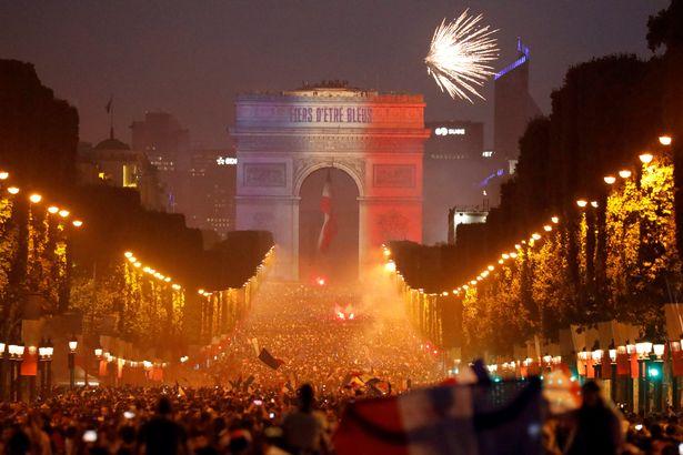 Soccer-Football-World-Cup-Final-France-fans-celebrate