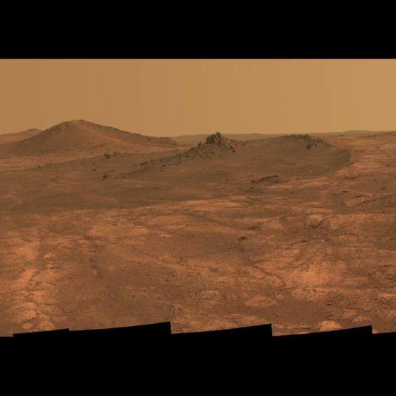 Ένα μαγευτικό πανόραμα κοιλάδας του Άρη