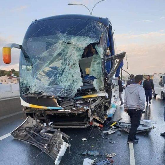 Φωτογραφίες: Ατύχημα με λεωφορείο στη Λεμεσό