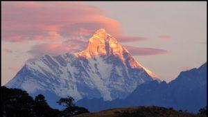 Ινδία: Πτώματα εντόπισε από ψηλά το ελικόπτερο που έψαχνε τους ορειβάτες