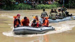 Ινδονησία: Τουλάχιστον 15 νεκροί σε ναυάγιο στα ανοικτά της Ιάβας