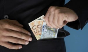 «Η ΚΟΠ γνωρίζει τα οικονομικά των προσφυγικών σωματείων»