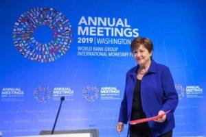 Επικεφαλής ΔΝΤ: Αβεβαιότητα και πάγωμα της ανάπτυξης του διεθνούς εμπορίου