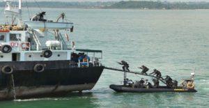 Έλληνας εφοπλιστής έκανε «πειρατεία» σε πλοίο του για να λάβει αποζημίωση