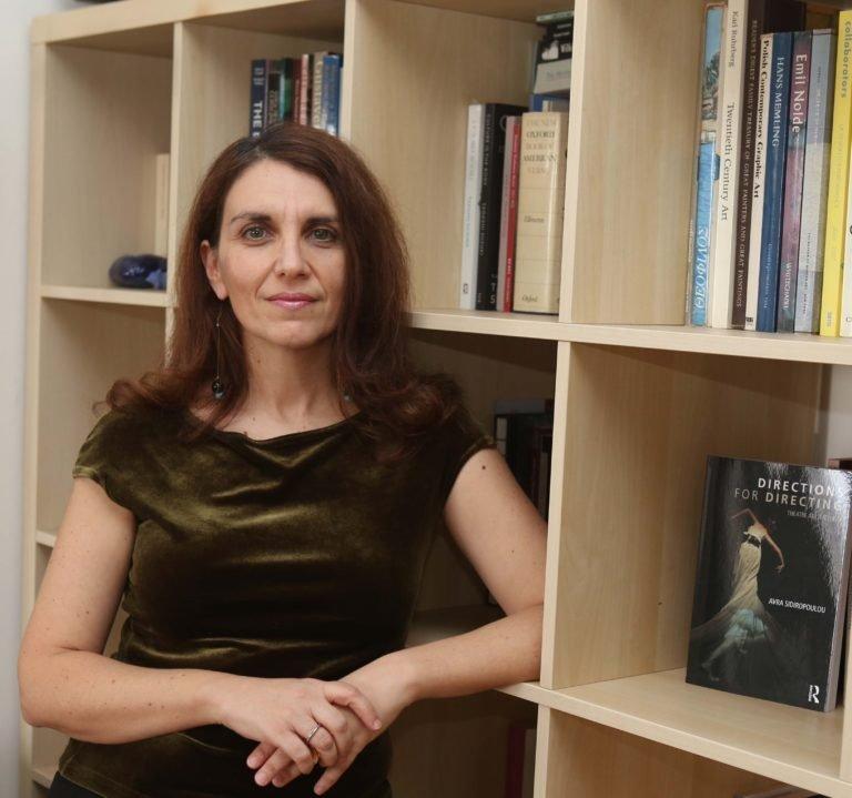 Αύρα Σιδηροπούλου: Γυναίκες εξακολουθούν να εισπράττουν την ίδια υποτίμηση με τη Νόρα του Ίψεν