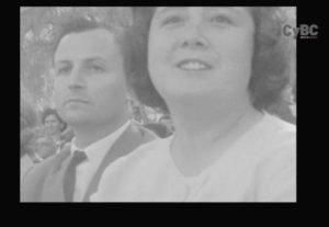 2β.Οι Hüsnü Feridun και Leman Feridun ανάμεσα στους θεατές σχολικών παραστάσεων σε Τουρκοκυπριακό Γυμνάσιο 1962