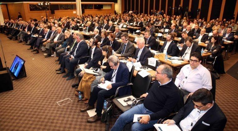 oikonomiko forum akel antros 11