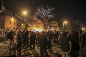 Πυροβολισμοί στο Κεντάκι σε διαδηλώσεις για δολοφονίες Αφροαμερικανών
