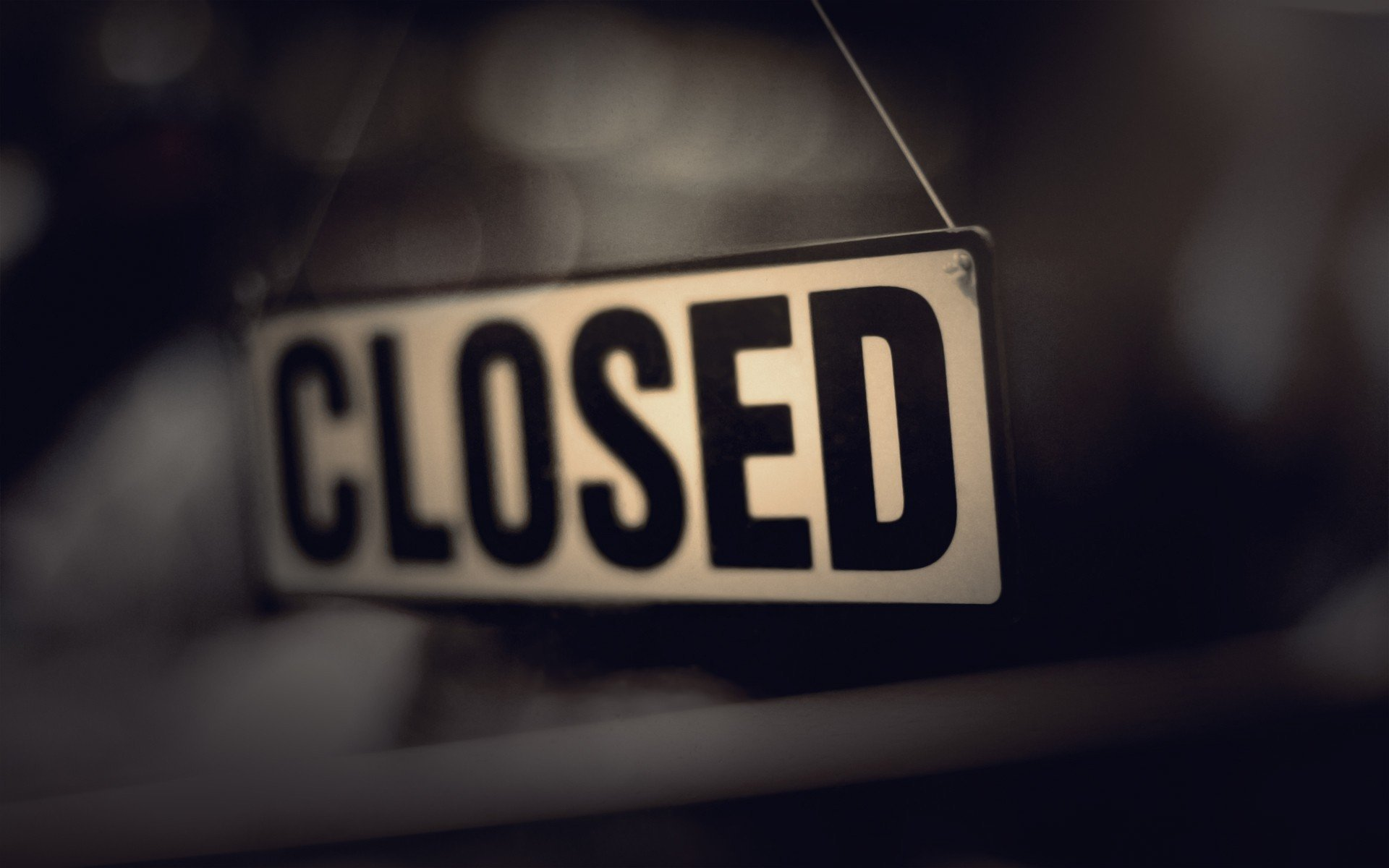 Closed Sign File1