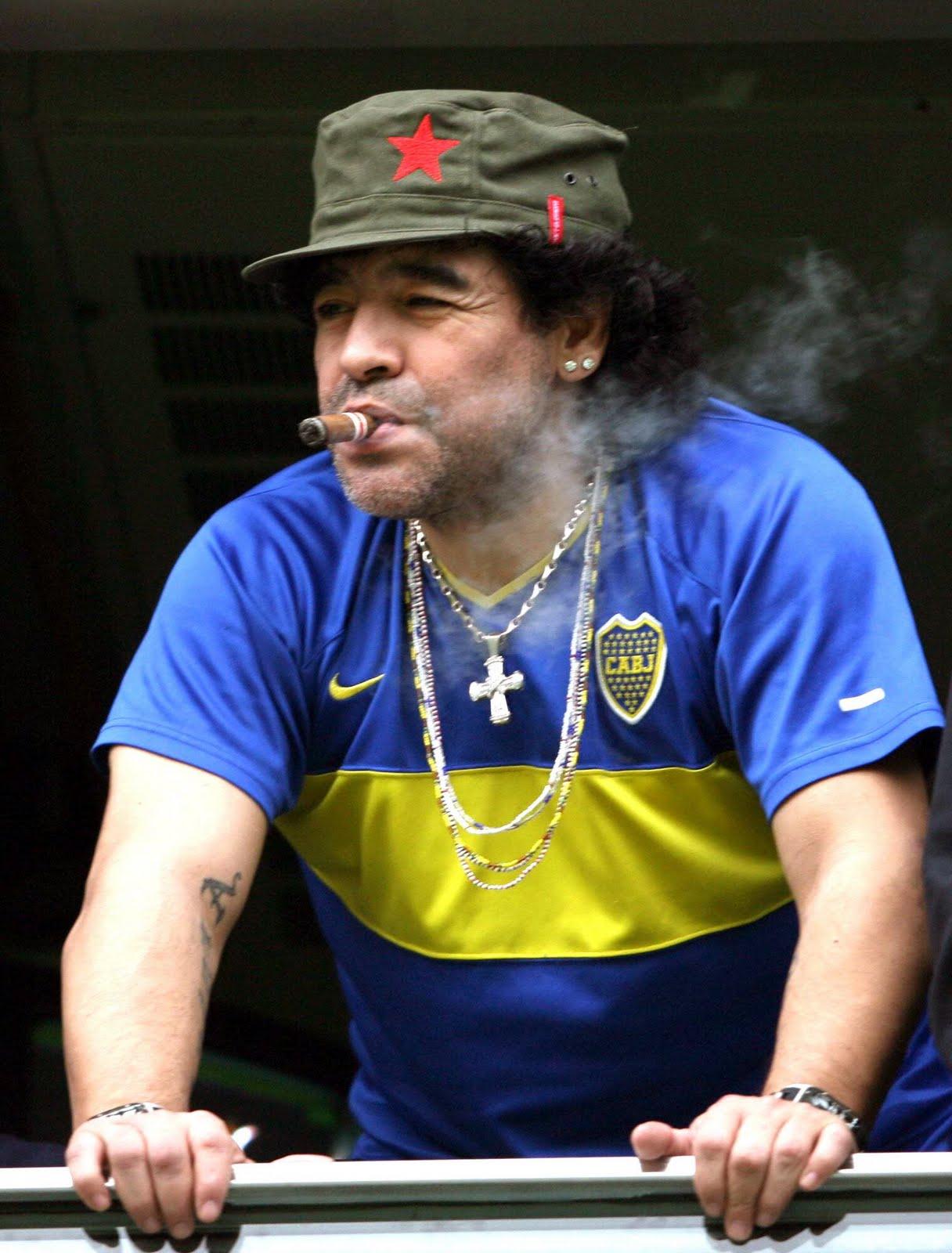 World Famous Football Player Diego Maradona WIki Photosa