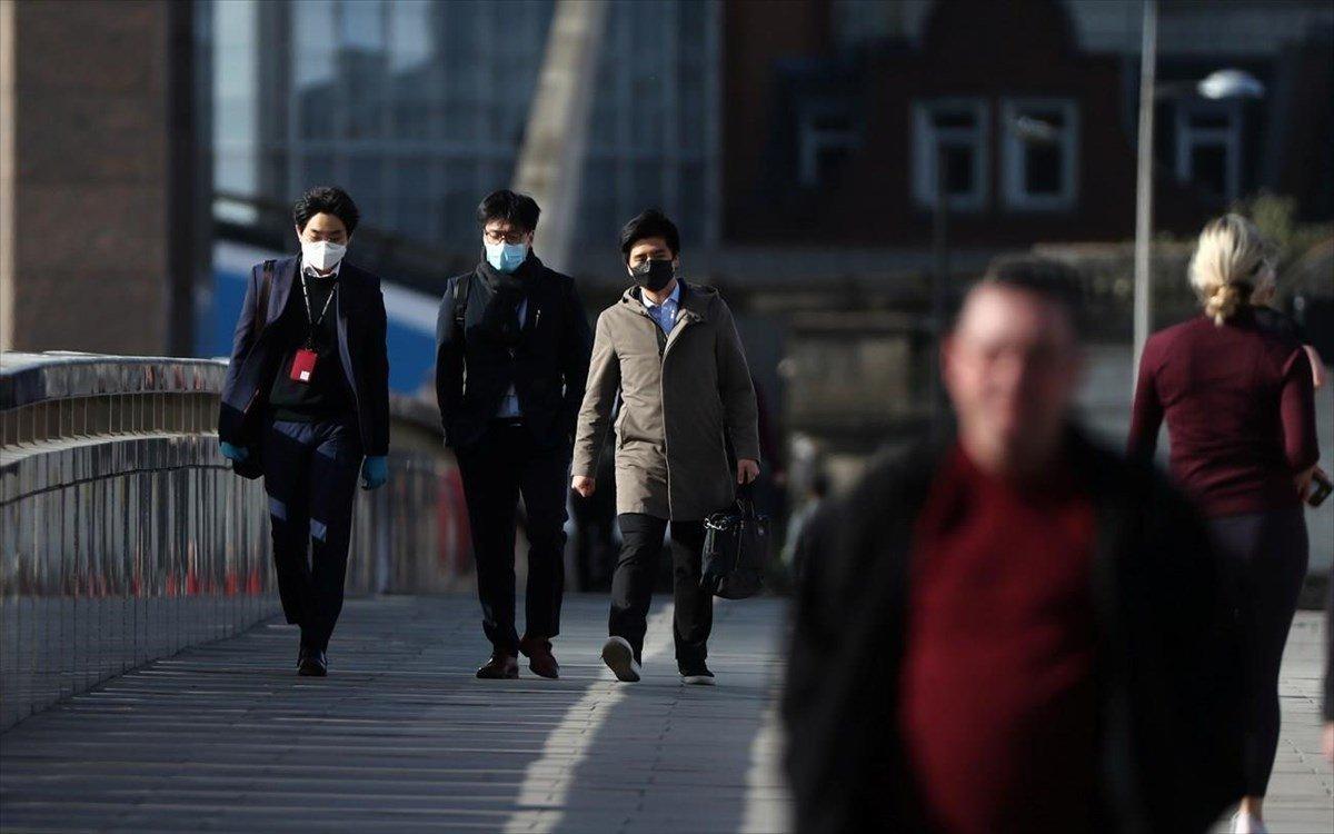 Βρετανία: Πίεση στον Μπόρις Τζόνσον να μην καθυστερήσει την πλήρη άρση των μέτρων κατά Covid-19